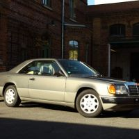 mercedes-w124-coupe.jpg